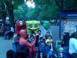 spongebob squarepants elmo spiderman celebrity impersonators mexico city chapultepec park mexicocity
